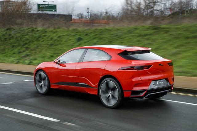 Le concept électrique Jaguar I-Pace dans les rues de Londres  123685ipacelondon018