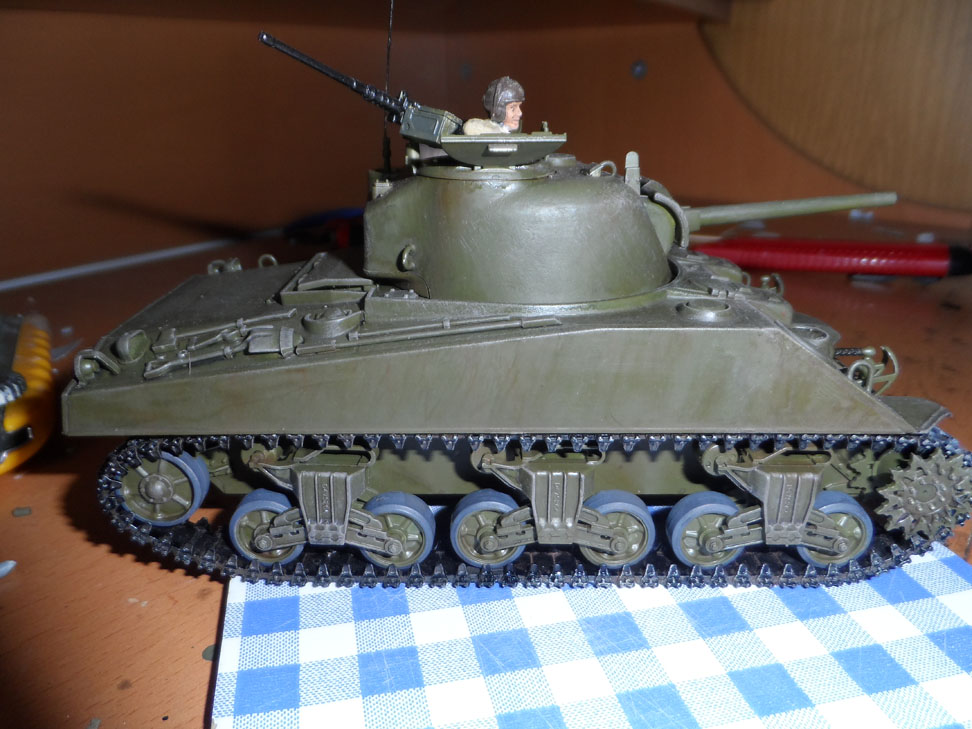 M4 Sherman late production Tamiya 1/35 - Page 4 129222SAM0448