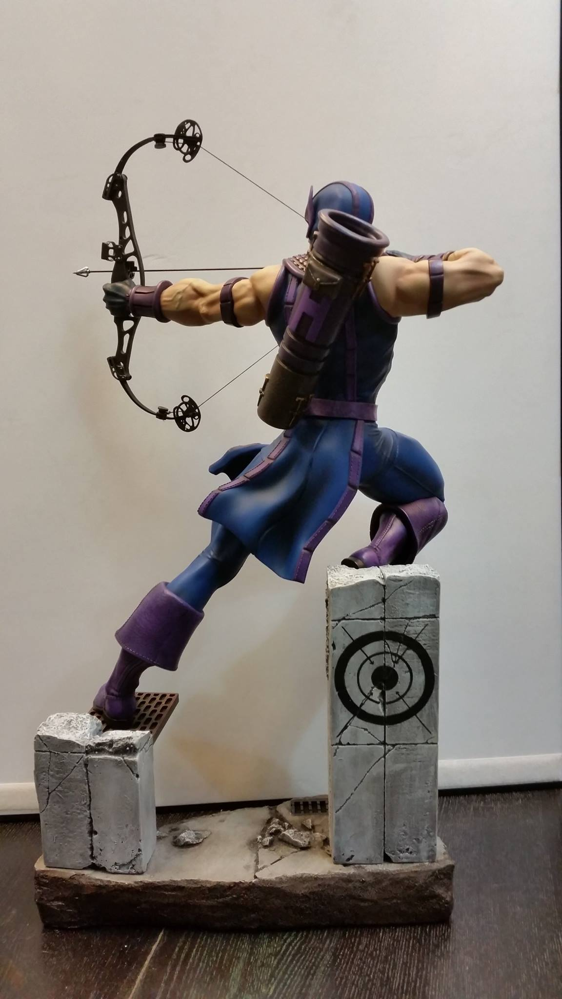 Premium Collectibles : Hawkeye - Comics version - Page 2 1330511050496514069949795211971996547707723500499o