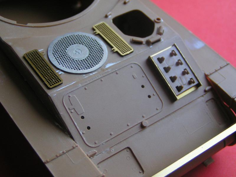 Conversion et détaillage de l'AMX 13/75 de HELLER au 35ème 136878PICT0016