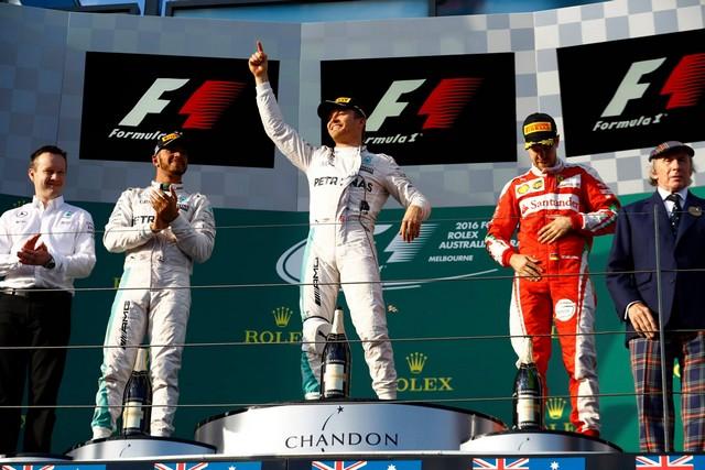 F1 GP d'Australie 2016 : Victoire de Nico Rosberg 1372862016HamiltonRosbergVettel1