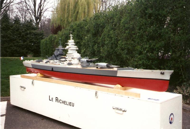 Cuirassé Richelieu par Tenèze au 1/100e sur plan 140568Numriser0009