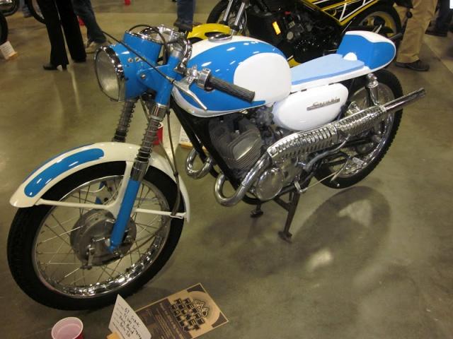 Suzuki 200 cc de 1967.... 1408221967SuzukiYC200StingrayIVMC