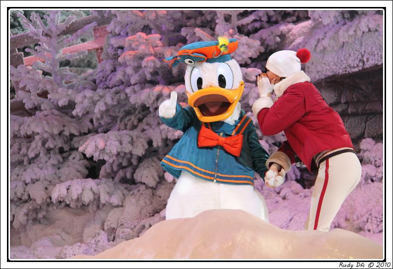 Spectacle Mickey et la magie de l'hiver - Page 3 140989IMG0699border