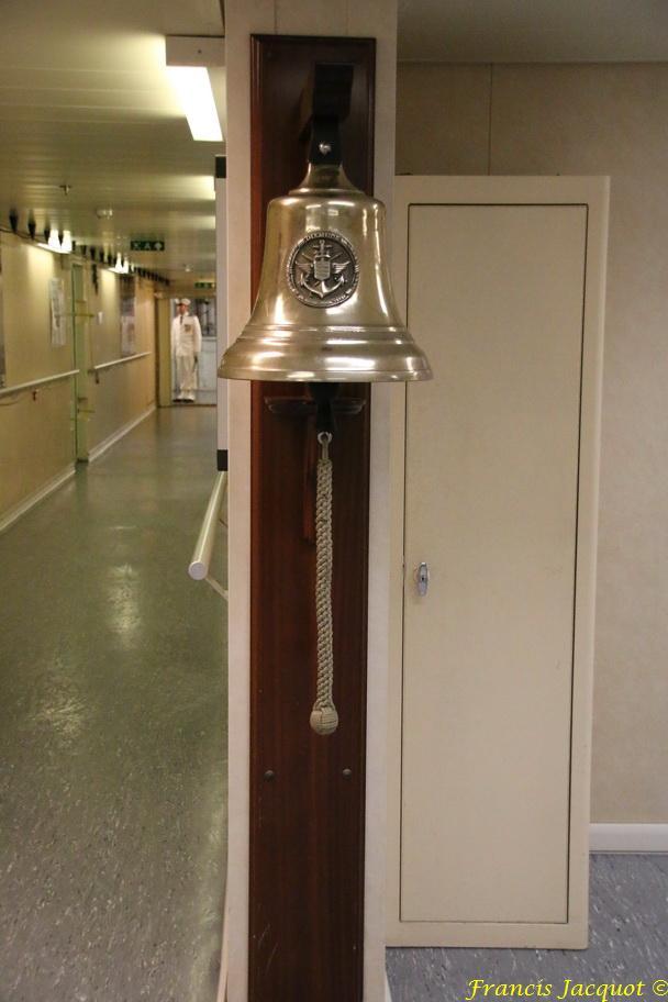 [Autres sujets marine] Les cloches de nos bâtiments (Armés et désarmés) - Page 3 141614IMG8943