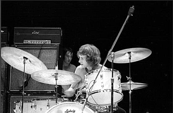Framingham (Carousel Theater) : 25 août 1968  [Premier concert] 145612GGGG