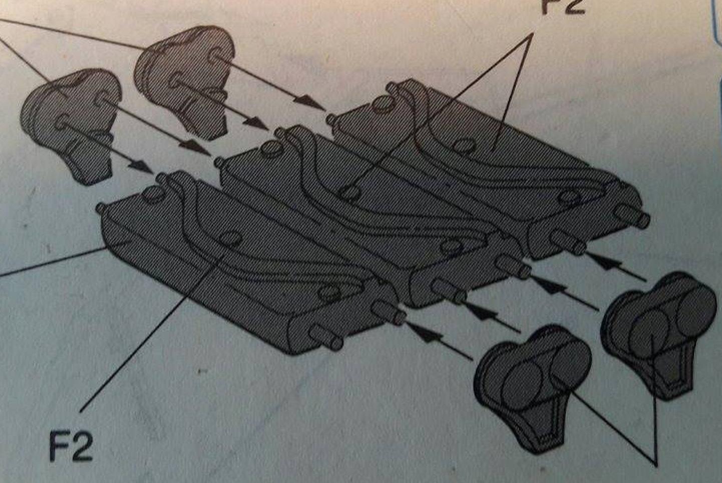 Sherman Vc Firefly - 1/35ème - kit Dragon #6031 Sherman Vc 'Firefly' - Page 2 147340Fireflytracks