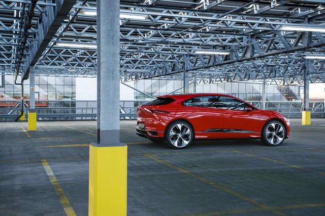 Le concept électrique Jaguar I-Pace dans les rues de Londres  147484ipacelondon052