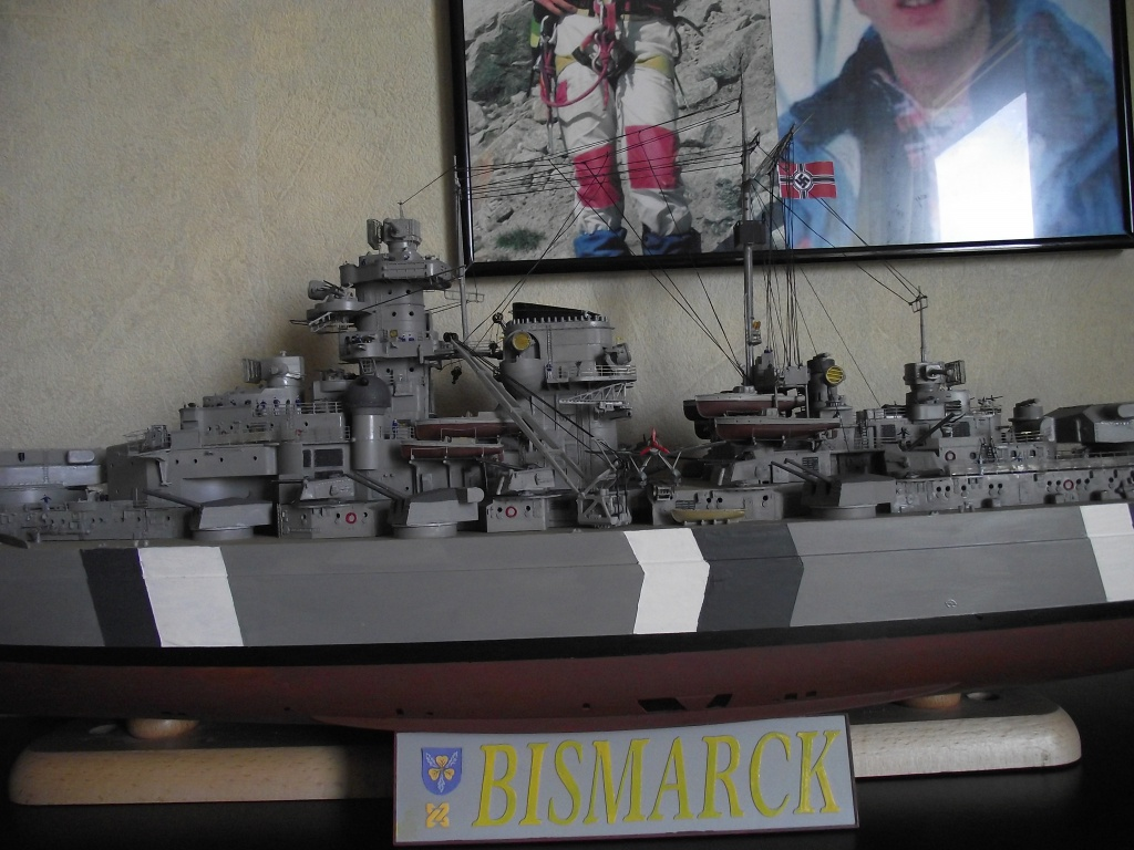 Bismarck 1/200 Trumpeter - Page 6 147783Bismarck1x200132