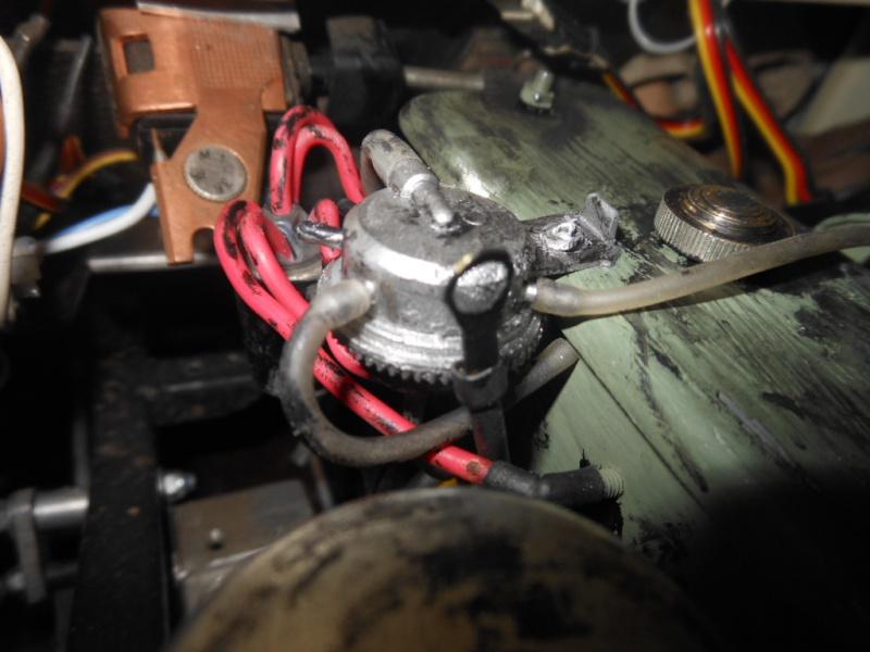 Erik : carrossier voitures miniatures , artisan formeur de tôle 150158DSCN5383