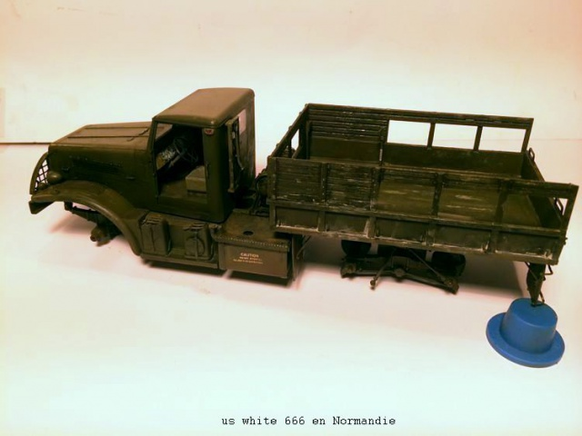 us white 666 cargo truck au 1/35 en Normandie hobby boss - Page 2 154685white2006