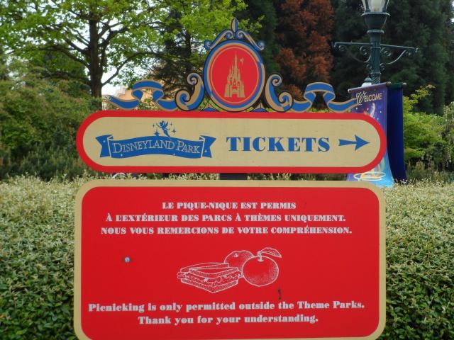 A LIRE: Conseils, Trucs et Astuces pour une visite réussie à Disneyland Paris! - Page 12 158632SAM0378