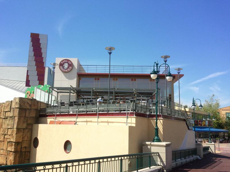 [Disney Village] Construction d'un restaurant Earl of Sandwich - Page 24 16011220110528154920