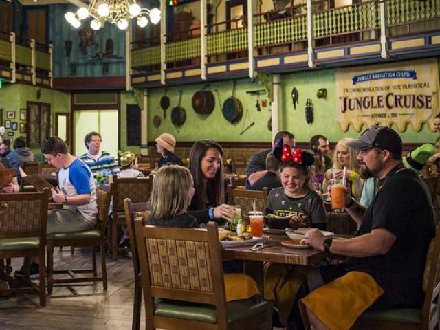 [Magic Kingdom] Adventureland Veranda devient Skipper Canteen (16 décembre 2015) 160855w175
