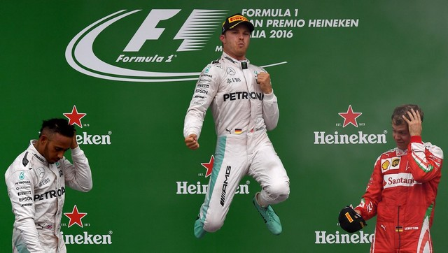 F1 GP d'Italie 2016 : Victoire Nico Rosberg 1642432016HamiltonRosbergVettel