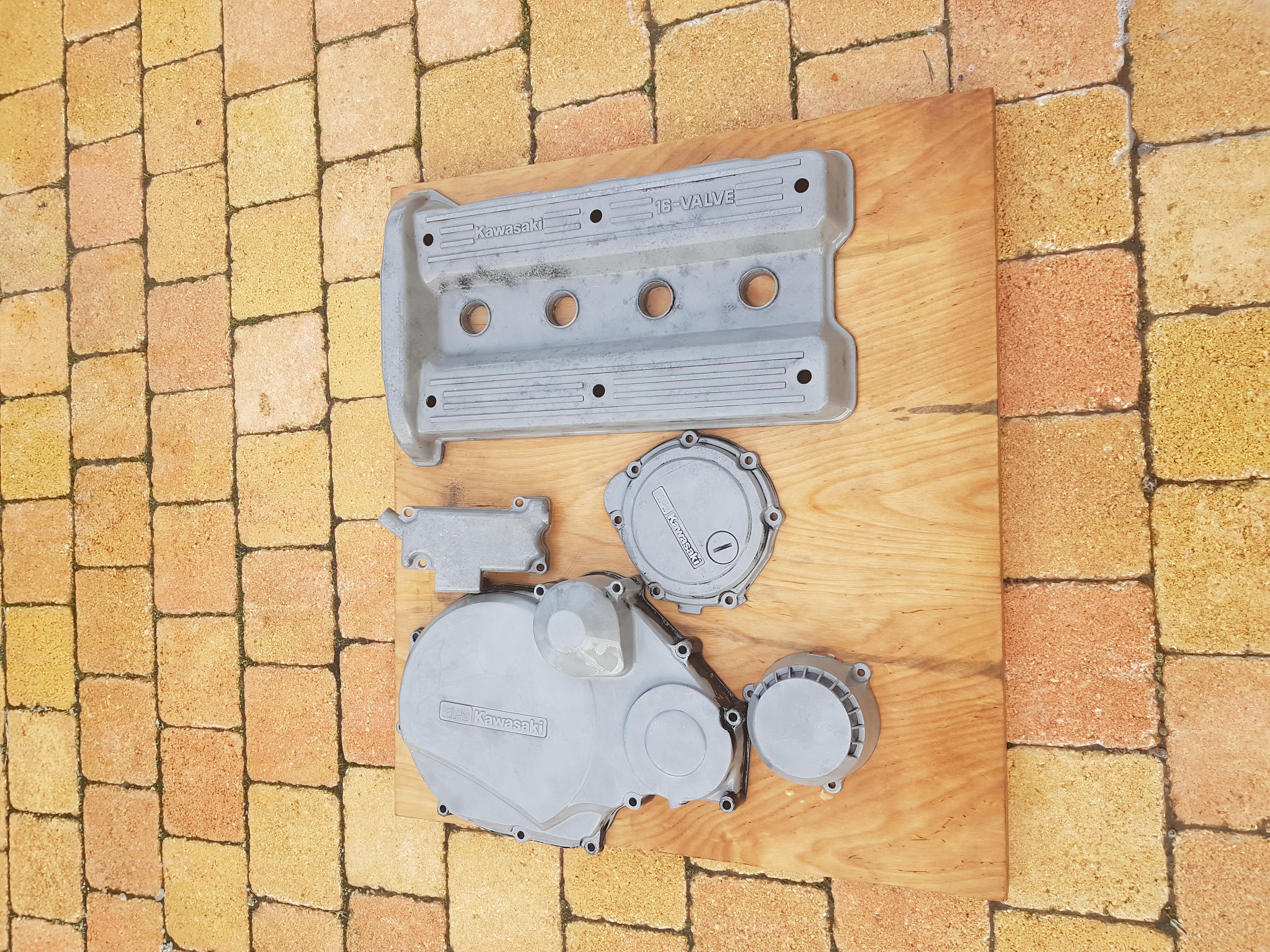 [Edit] Restauration d'une Kawa GPZ900R  16985720171103092843