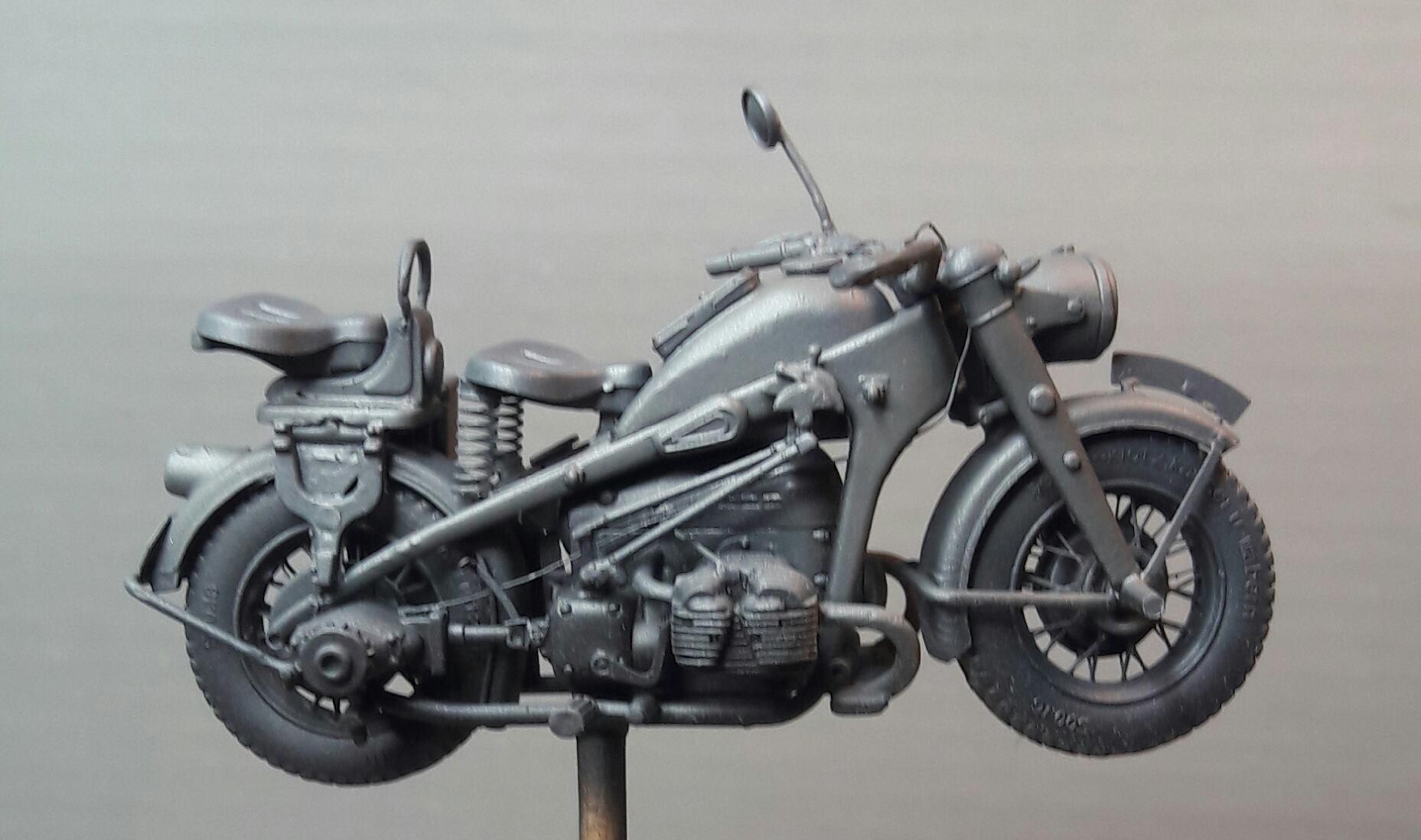 Zündapp KS750 - Sidecar - Great Wall Hobby + figurines Alpine - 1/35 - Page 4 17231519859002102117676391209871214793035o