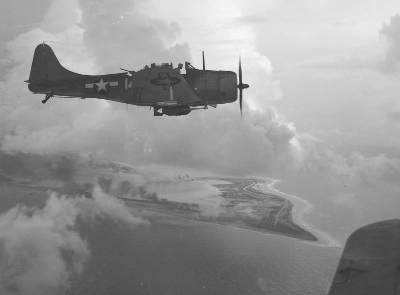 MCDONNELL-DOUGLAS F/A-18 HORNET  173183Douglas_Dauntless
