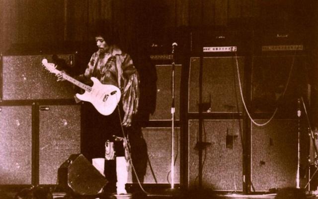 New York (Philharmonic Hall) : 28 novembre 1968 [Premier concert] - Page 2 17851119681128Philarmonic70