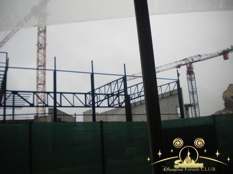 Construction du Dark Ride Ratatouille pour 2014 - Page 40 180020DSCN9958border