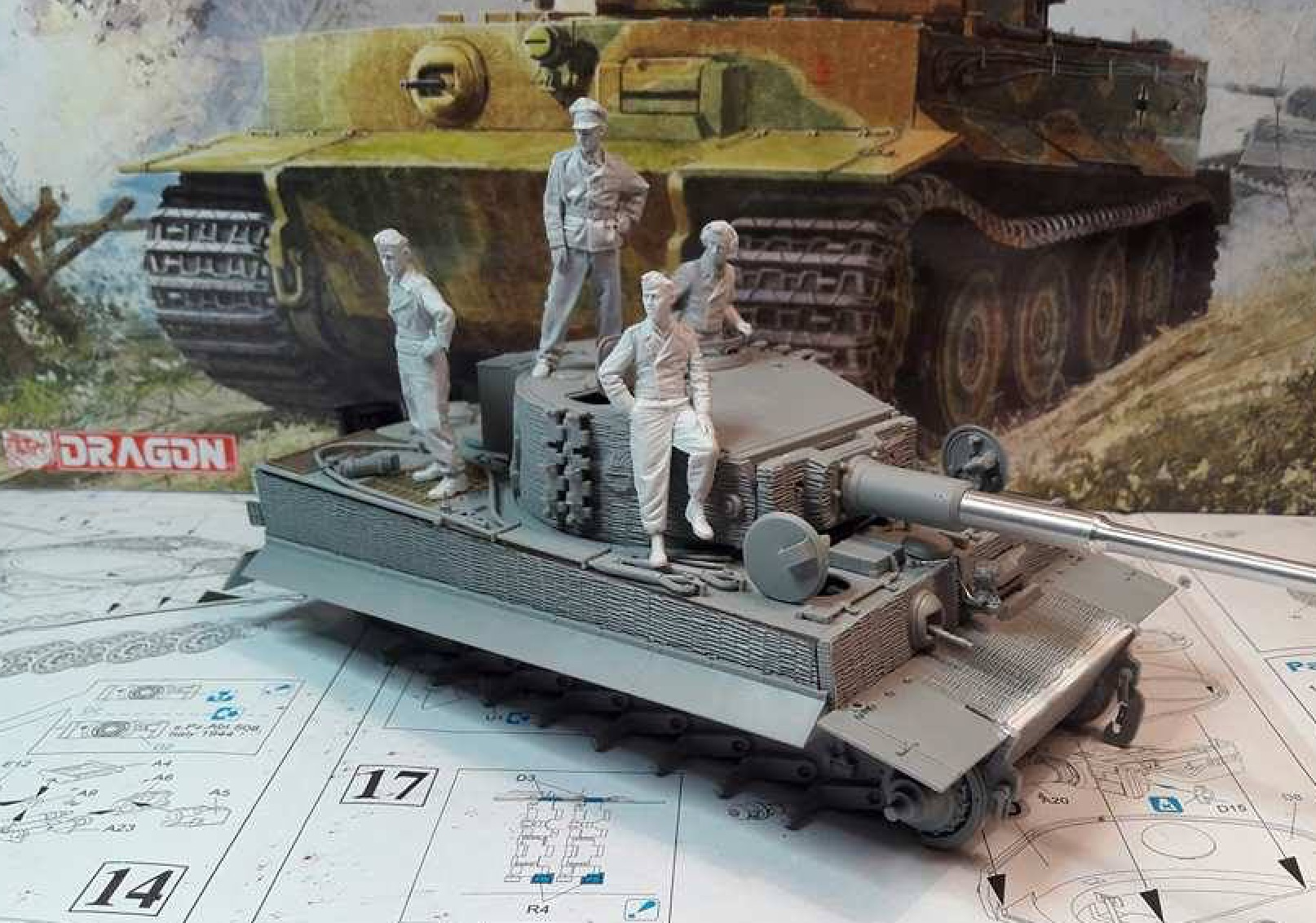Tiger I Late production - Normandie 1944 - Dragon - 1/35 - Page 2 190013TigerStep18