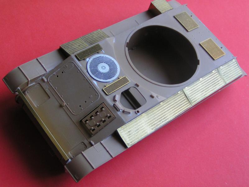 Conversion et détaillage de l'AMX 13/75 de HELLER au 35ème 192336PICT0021
