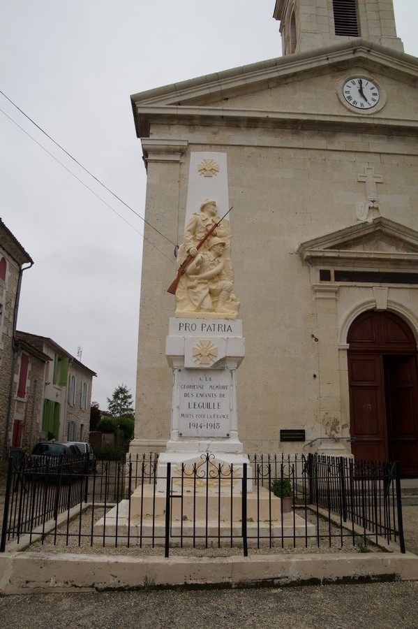 [Histoires et Histoire] Monuments aux morts originaux Français Tome 1 - Page 40 194630DSC05973