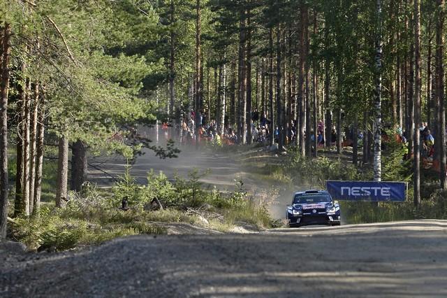 Rallye de Finlande : les trois Volkswagen Polo R WRC en tête des « essais libres » 194811hd0320160728vwmswrc201608finnlandshakedown