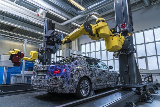 La future BMW Série 5 virtuelle  201625P90228108highResfullyautomatedopti