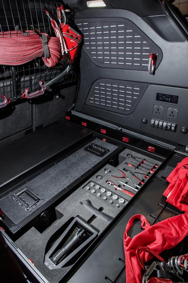 Project Hero, une version unique du nouveau Land Rover Discovery pour la Croix Rouge autrichienne  210402lrnewdiscoveryprojecthero07021718
