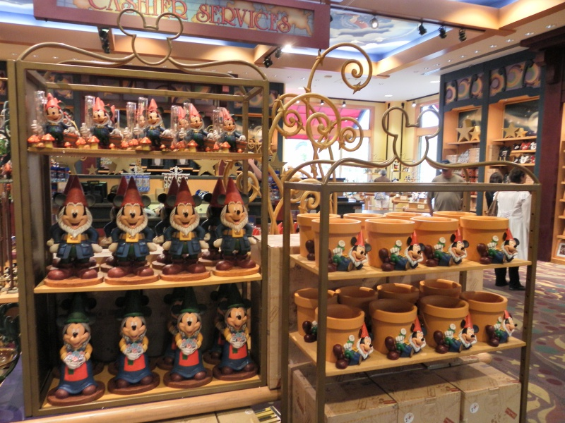 Les accros du shopping à Walt Disney world - Page 2 214044SAM4493