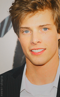 Hunter Parrish - 200*320 215153hunterparrish