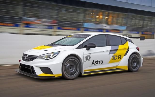 Essais présaison : l'Opel Astra TCR enchaine les kilomètres 217099OpelAstraTCR299184