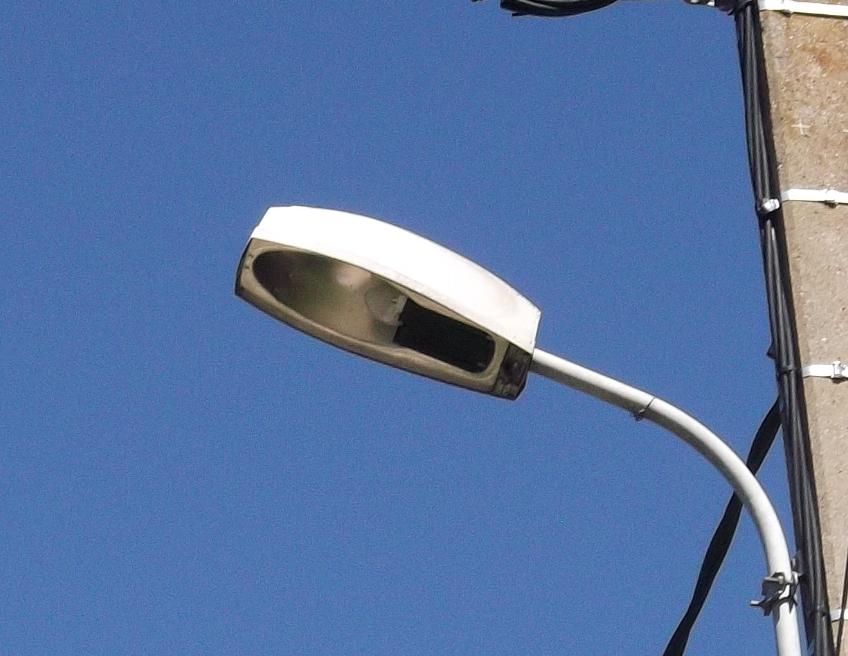 [Identifié]  Lanterne Notre Dame de Londres 218145651