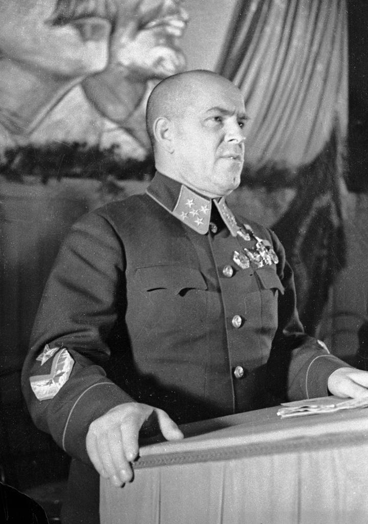 LFC : 16 Juin 1940, un autre destin pour la France (Inspiré de la FTL) 219592RIANarchive2410MarshalZhukovspeaking