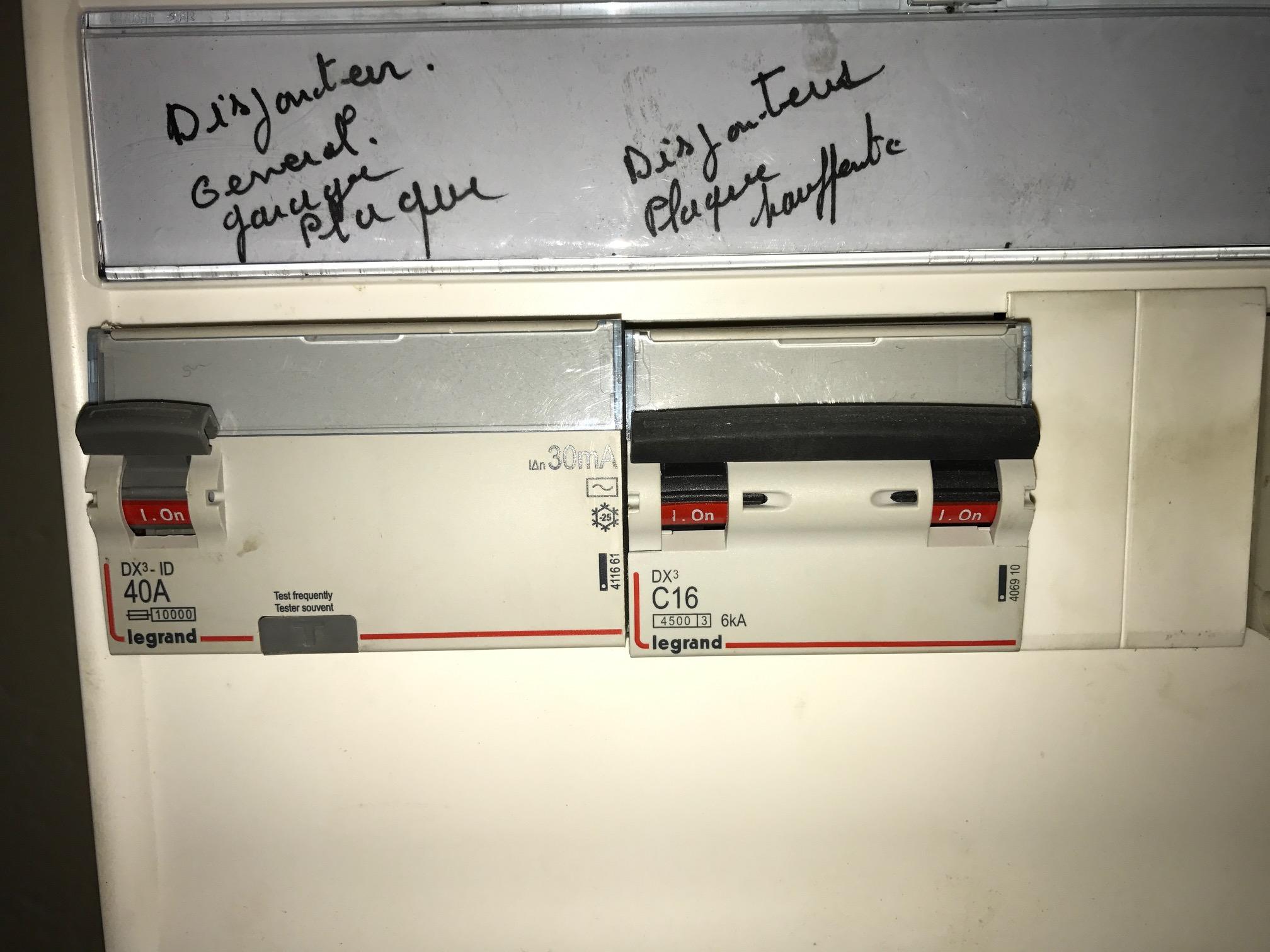 [conseil raccordement électrique] Plaque induction 11kw sur tripahsé 222465IMG0021