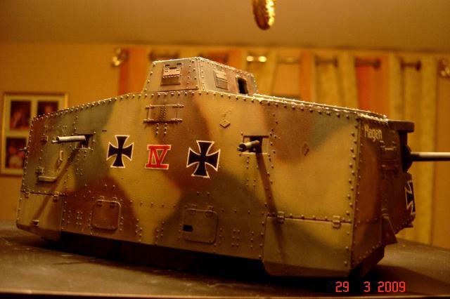 A7V [TAURO MODEL 1/35e] Le premier Panzer - Page 2 225436mars_2008_A7V_013m