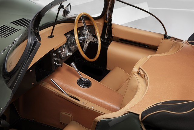 La « Nouvelle Jaguar XKSS D'origine » Dévoilée À Los Angeles  225914jagxkssinteriorimage16111605
