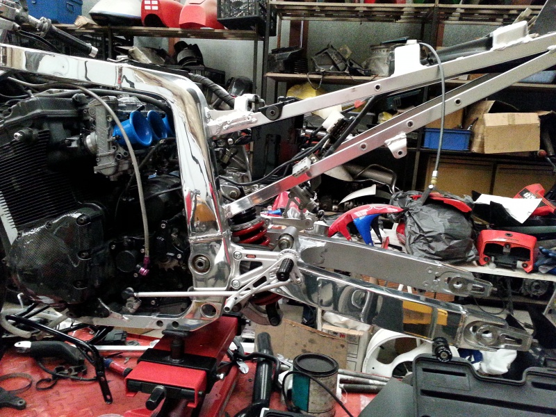 nettoyage chassis alu gsxr 750 1988 22883320150428153456