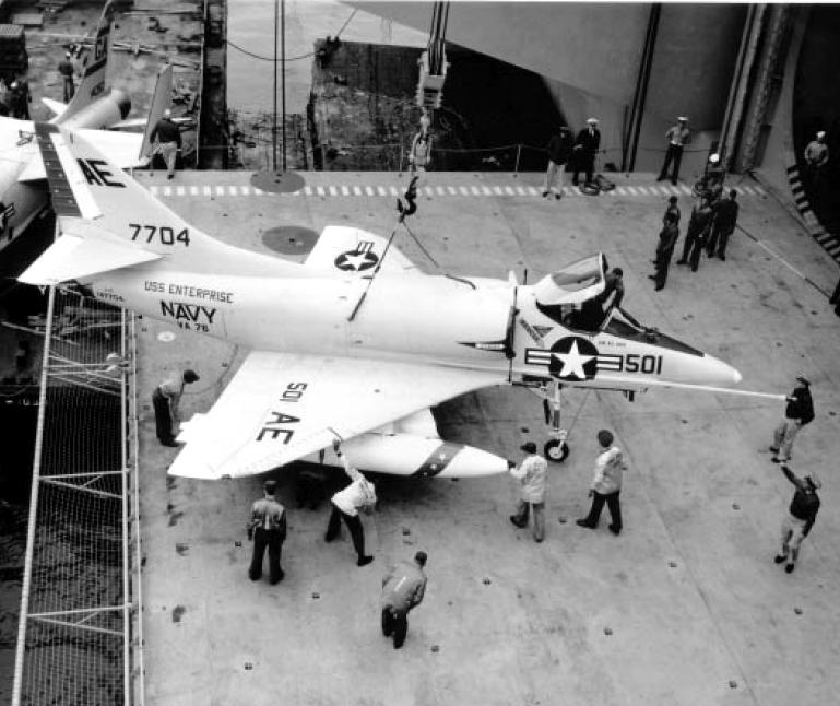 DOUGLAS A-4 SKYHAWK [NOUVELLE VERSION] 230502DouglasA4CSkyhawkVA76CVAN651963