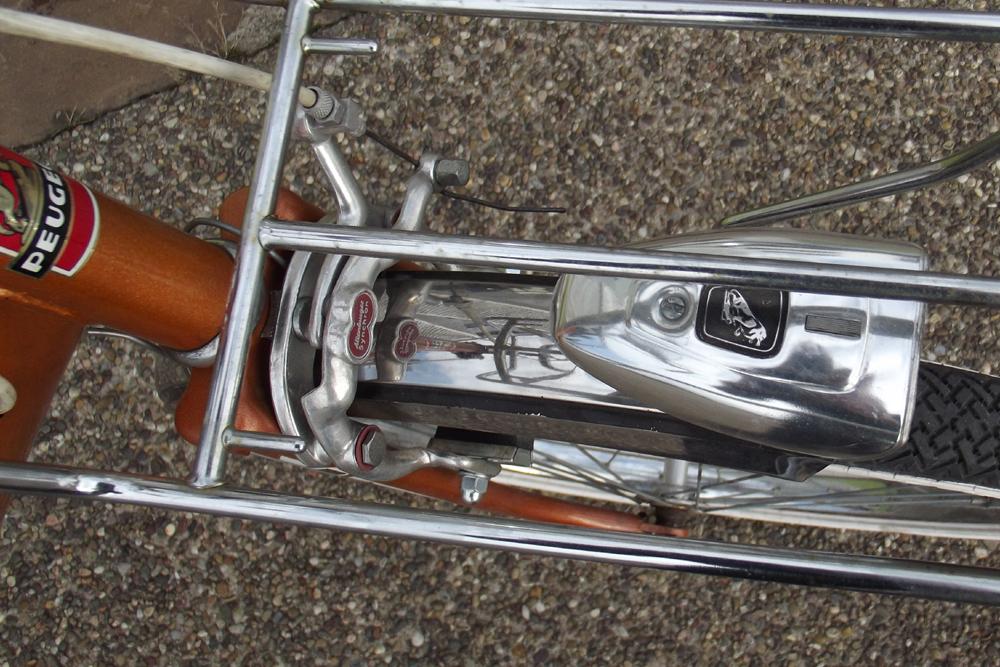 Pliant Peugeot PA 40 orangé 233074p08