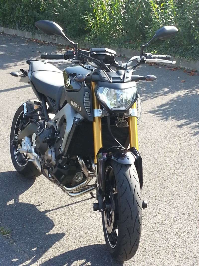 Photos de toutes les Yamaha MT-09 du forum ! :) 236801YELD