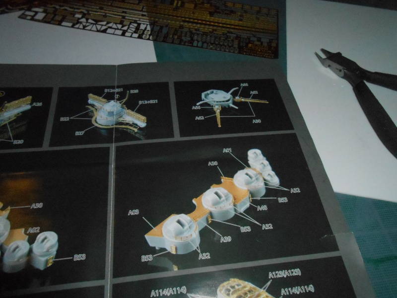 Yamato 1/700 fuji, PE,Pont en bois et babioles 237287loupyam013