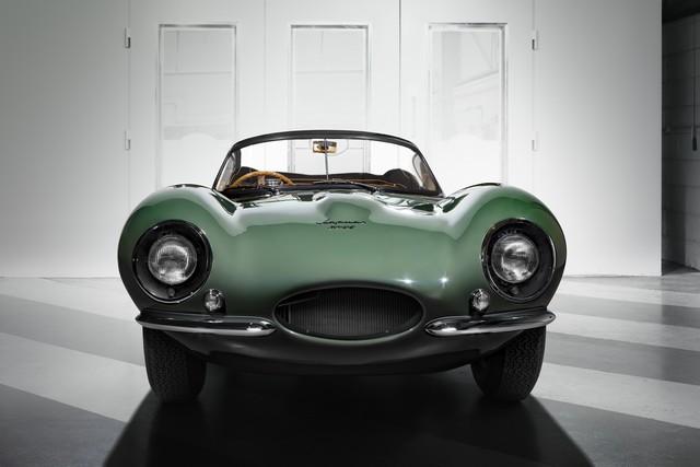 La « Nouvelle Jaguar XKSS D'origine » Dévoilée À Los Angeles  237372jagxkssfrontimage16111602