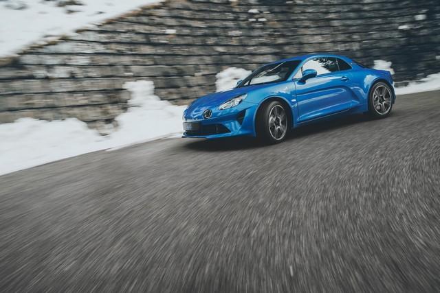 Alpine est de retour - A110, la voiture de sport française agile et compacte 2377048832516