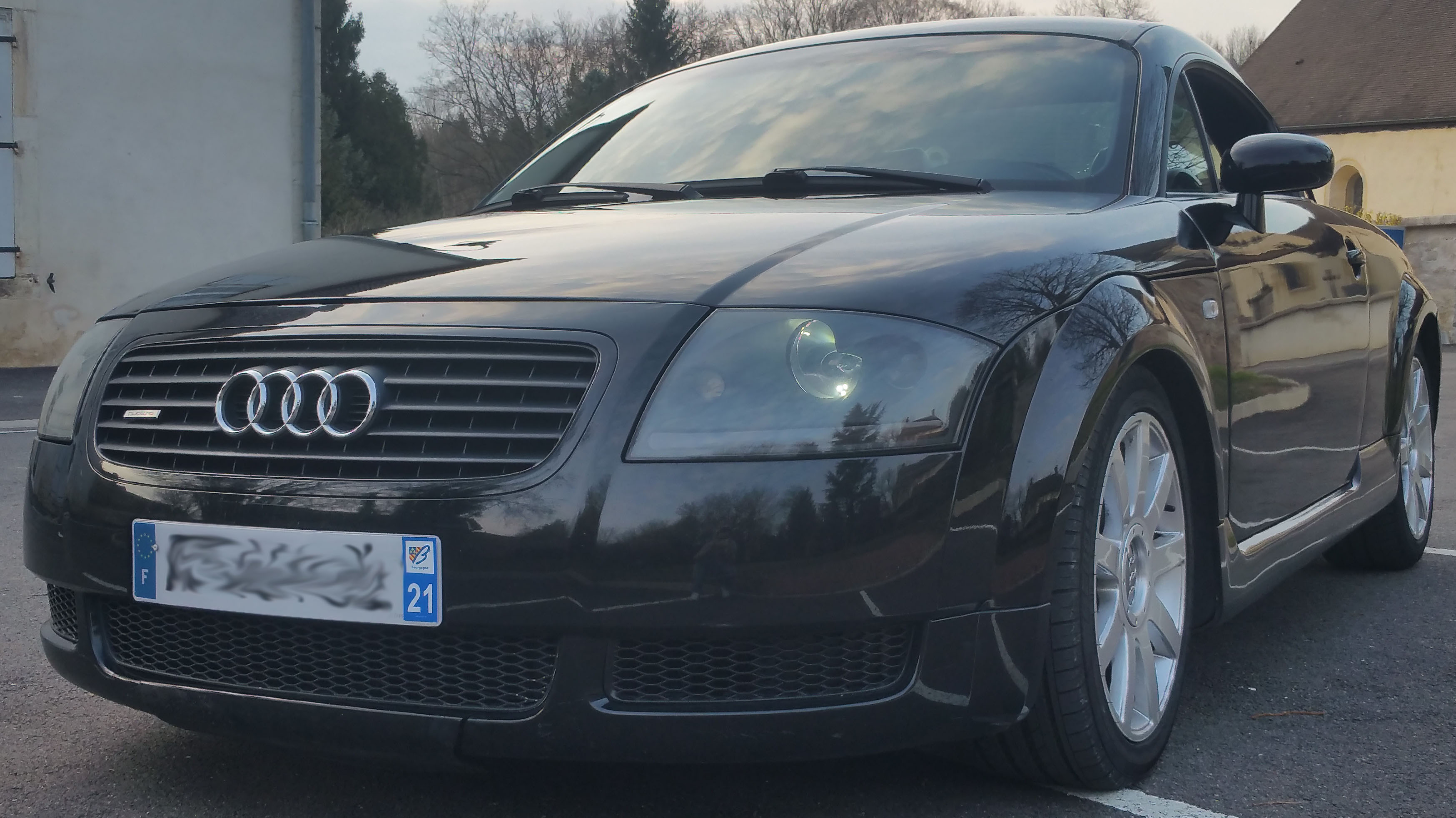 TT Quattro 225ch Noire 238310Parechoc1