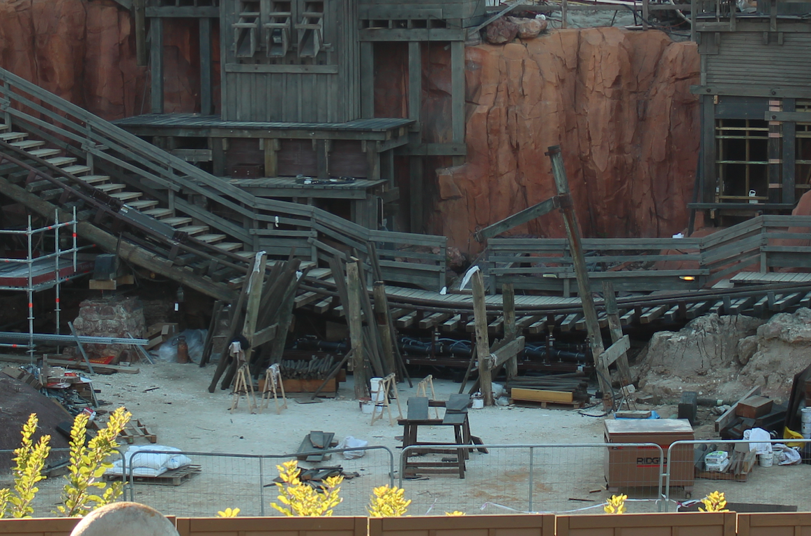 Réhabilitation de Big Thunder Mountain (2015-2016) - Page 6 240441btm