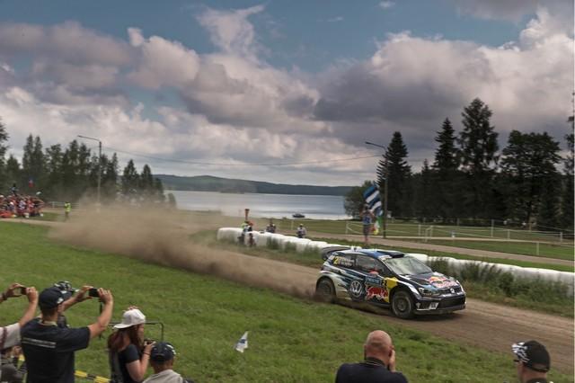 Rallye de Finlande : Deuxième place pour Latvala, triplé Volkswagen au classement provisoire du championnat pilotes  244562hd022016wrc08bk10652
