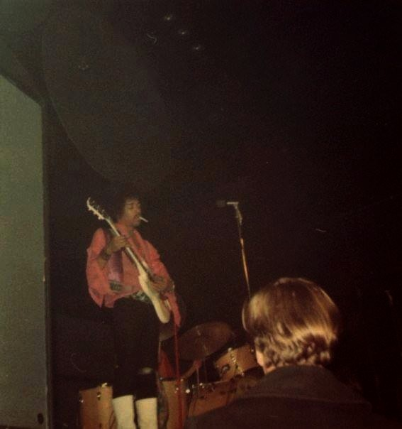 Providence (Rhode Island Auditorium) : 27 novembre 1968  24671819681128Prov2
