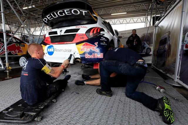 Troisième podium d'affilée pour Sébastien Loeb et la PEUGEOT 208 WRX, au Canada 24772959868172c5c7czoom